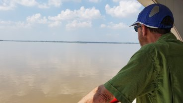 Slow travel on the Ayeyawady River